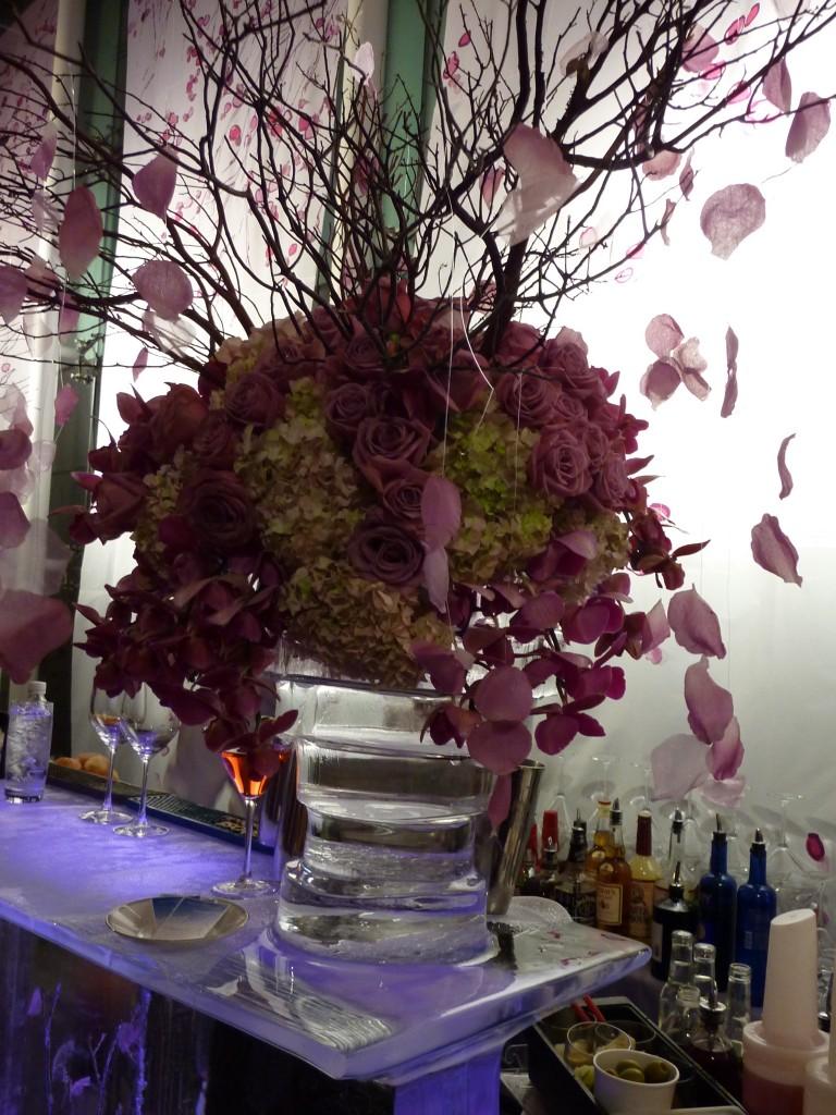 Ice vase as designs of illusion