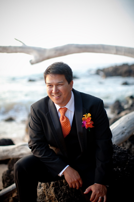 Smiling groom at a Maui wedding by destination wedding planner, Mango Muse Events