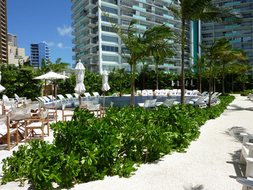 Beach pool at the Waikiki Edition one of 2 new Hawaii wedding venues scouted by Destination wedding planner, Mango Muse Events