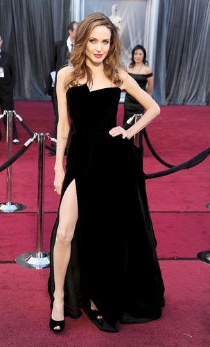 Angelina Jolie 2012 Oscar wedding inspiration from Destination wedding planner, Mango Muse Events