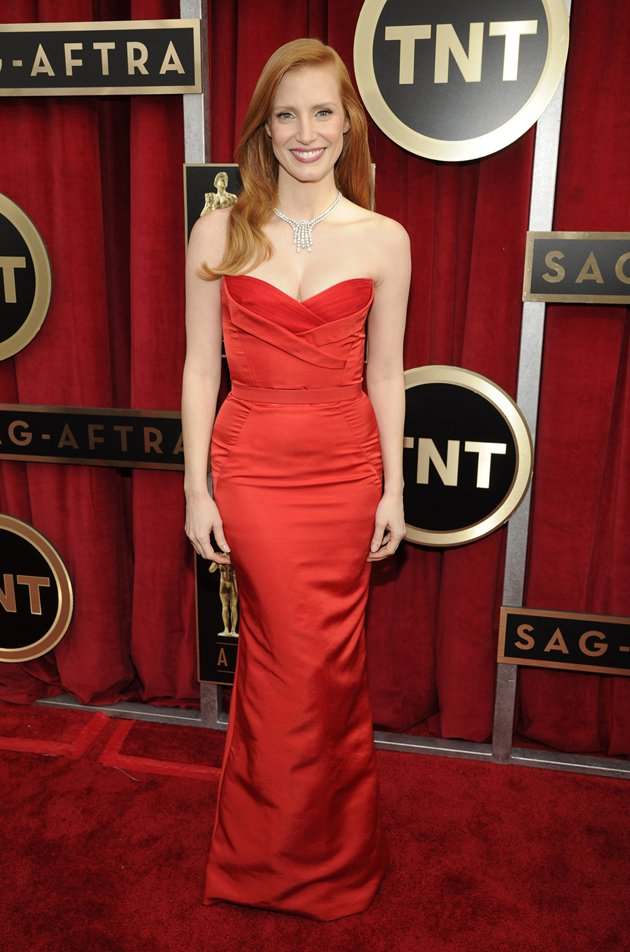 Jessica Chastain on the red carpet at the 2013 SAG Awards wedding fashion inspiration by Destination wedding planner Mango Muse Events