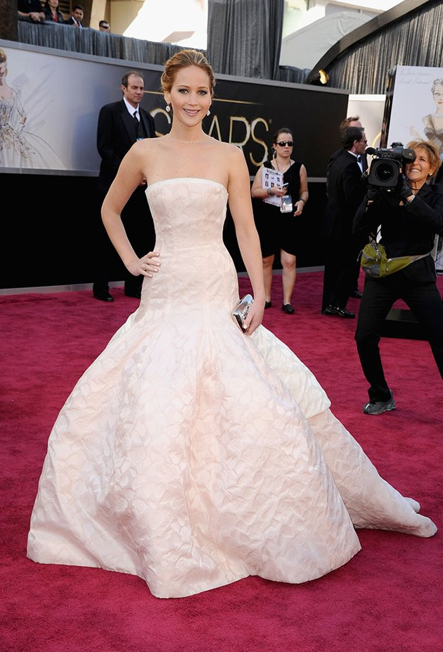 Jennifer Lawrence on the red carpet 2013 Oscars wedding fashion inspiration picked by Destination wedding planner Mango Muse Events