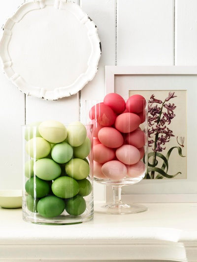 Ombre red and green Easter eggs decorating ideas for an Easter Party