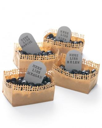 Halloween party candy graveyard Placecard idea.