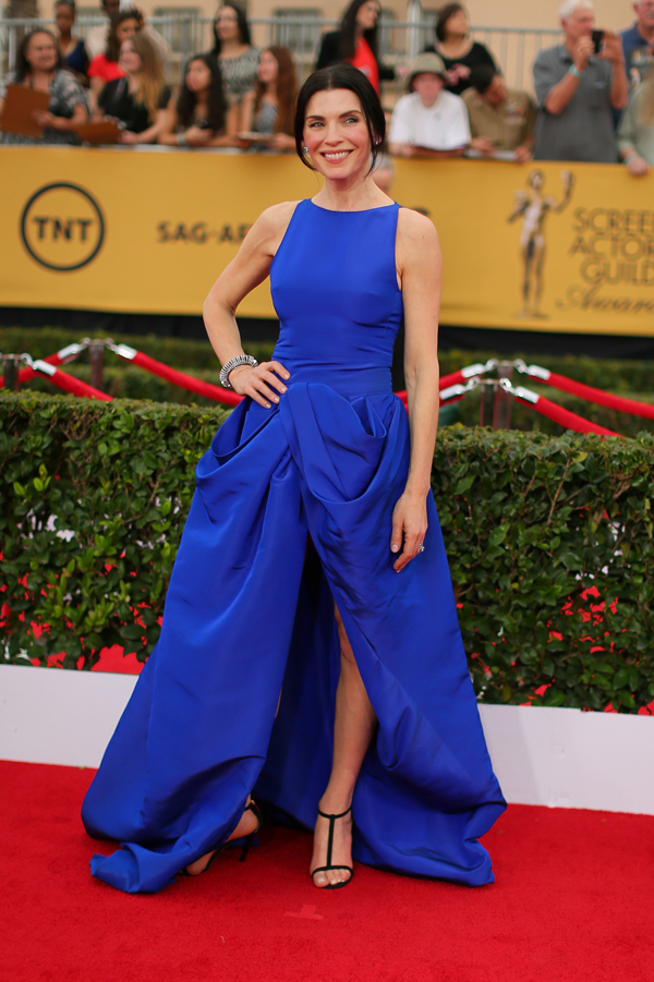 Julianna Margulies wears a blue Giambattista Valli gown on the red carpet of the 2015 SAG awards wedding inspiration by Destination wedding planner, Mango Muse Events