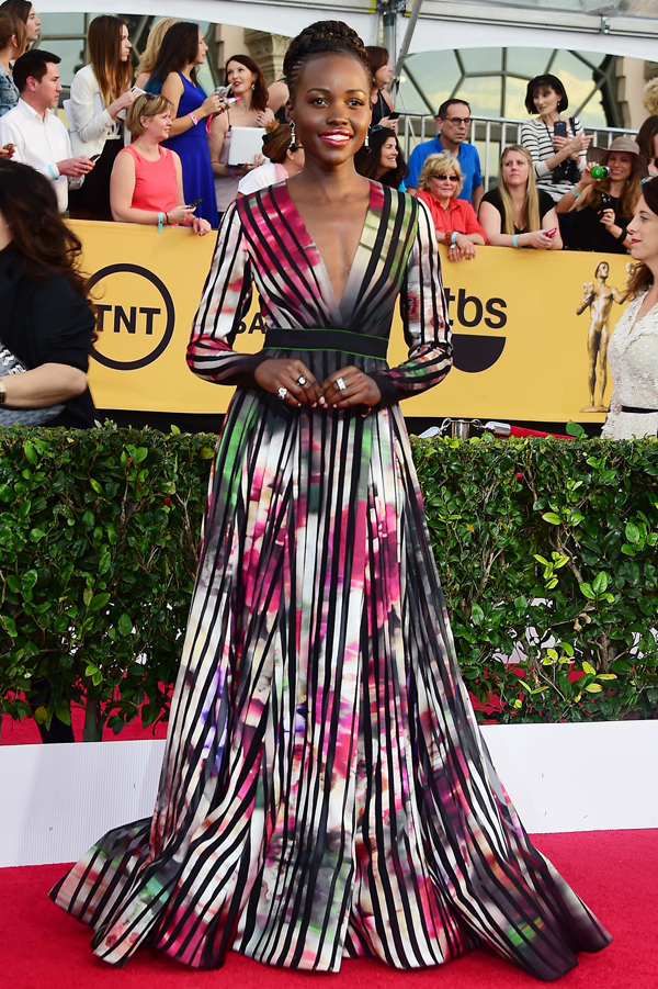 Lupita Nyong'o wears a printed Elie Saab on the red carpet of the 2015 SAG awards wedding inspiration by Destination wedding planner, Mango Muse Events