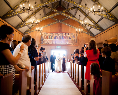 A church wedding ceremony in San Francisco making the case for an unplugged wedding