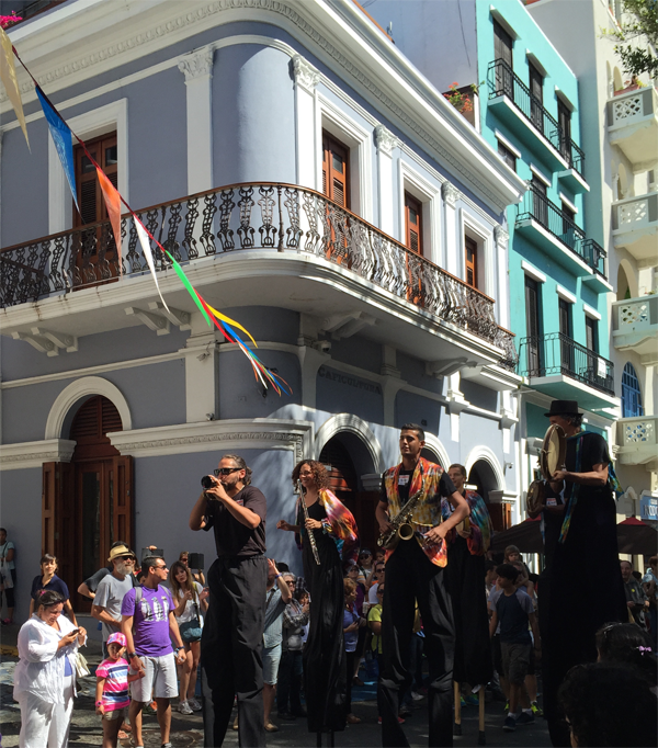 Street performers at festival in old San Juan, Puerto Rico. Photo taken by Jamie Chang destination wedding planner of Mango Muse Events.