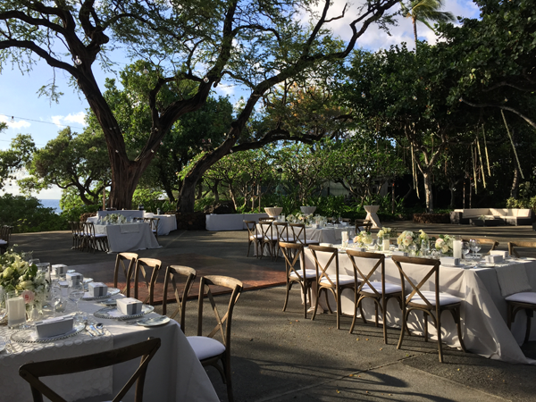 Big Island destination wedding reception at Mauna Kea resort. Event design by Jamie Chang of Mango Muse Events.
