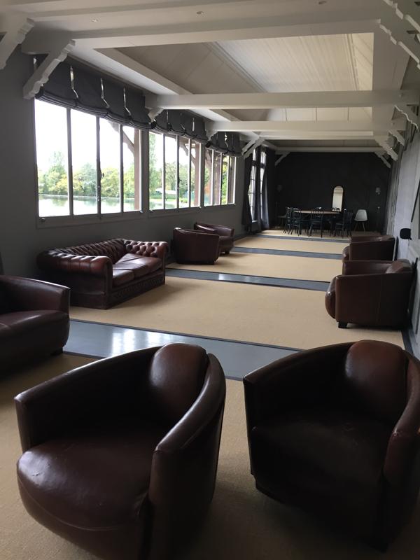 Salon Boire upstairs lounge at Les Pavillons des Etangs Destination Wedding Venue in Bois-de-Boulogne Paris