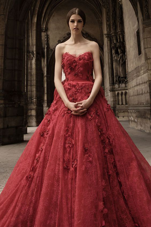 Red wedding dress by Hian Tjen, a non-traditional wedding dress idea