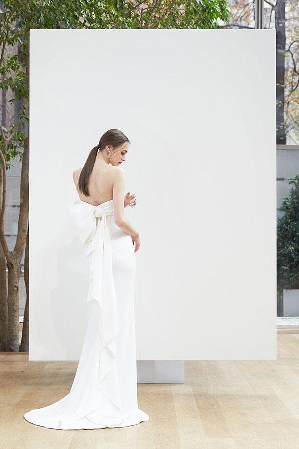 Bow wedding dress by Oscar de la Renta Spring 2018 Bridal