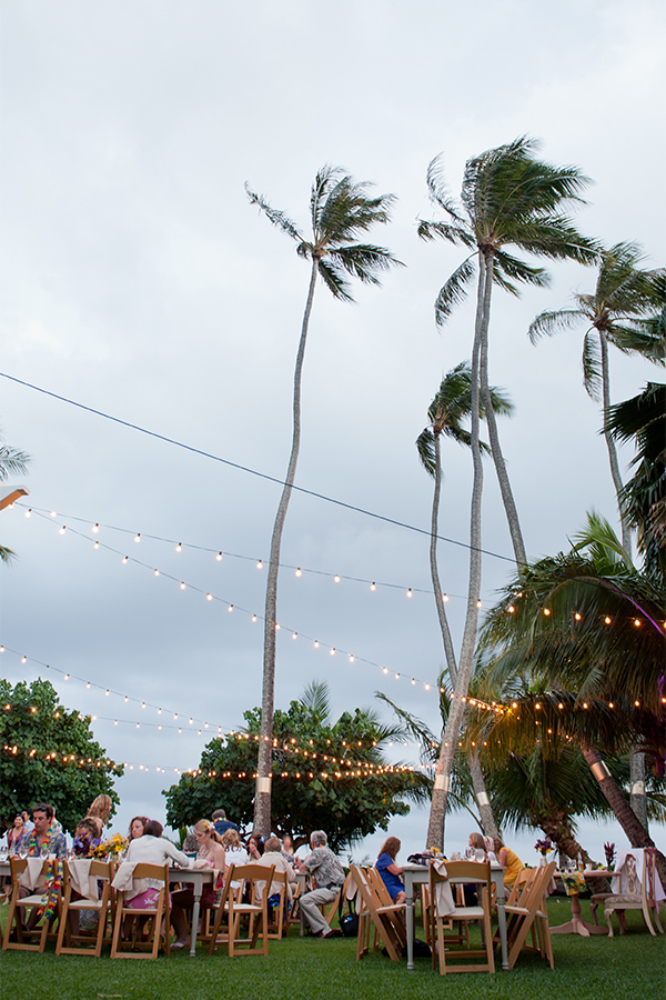 Hawaii destination wedding reception at a private estate by Destination wedding planner Mango Muse Events