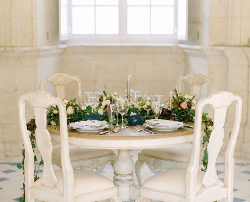 Wedding table for a fall France chateau wedding by Destination wedding planner Mango Muse Events