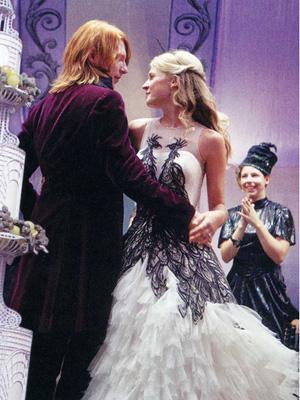 Feathered Harry Potter Wedding Dress As Mardi Gras Inspiration By Destination Planner Mango