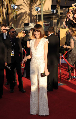 Rose Byrne in white jumpsuit at the 2012 SAG awards wedding inspiration by Destination wedding planner, Mango Muse Events