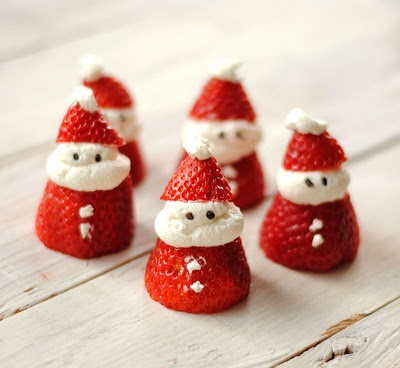 Strawberry and cream Santas Christmas party inspiration shared by Destination wedding planner Mango Muse Events