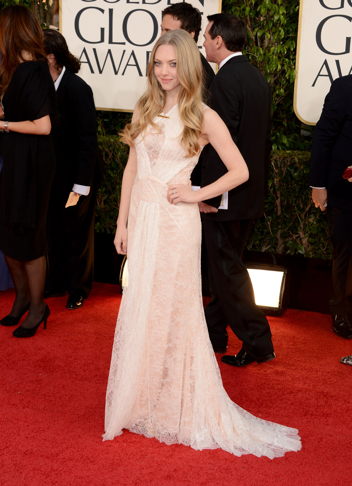 Amanda Seyfried on the red carpet at the 2013 Golden Globes wedding inspiration by Destination wedding planner Mango Muse Events