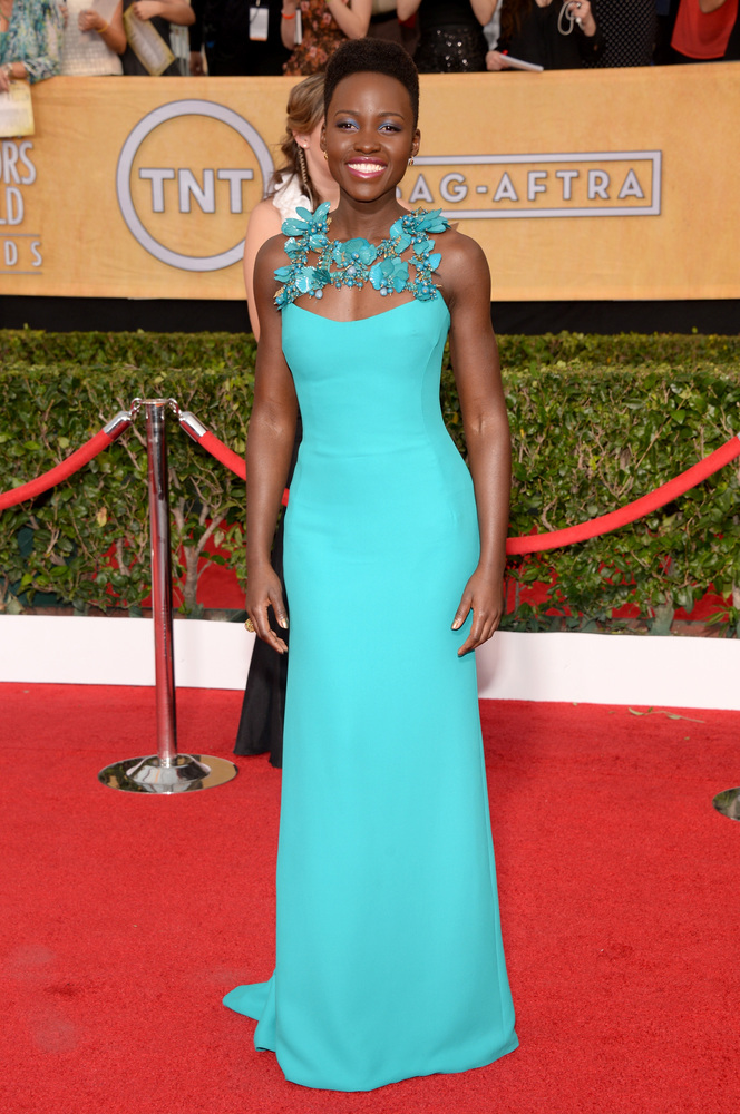Lupita Nyong'o on the red carpet 2014 SAG Awards wedding inspiration by Destination wedding planner Mango Muse Events