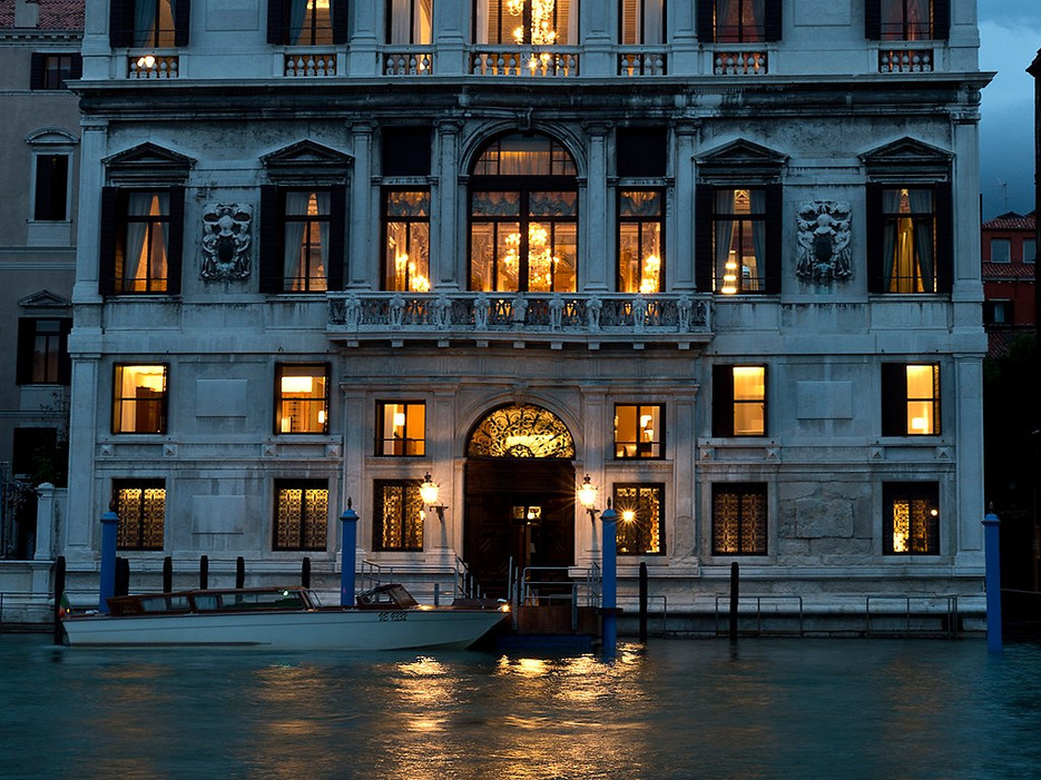 Aman Grand Canal in Venice one of a few celebrity destination wedding venues
