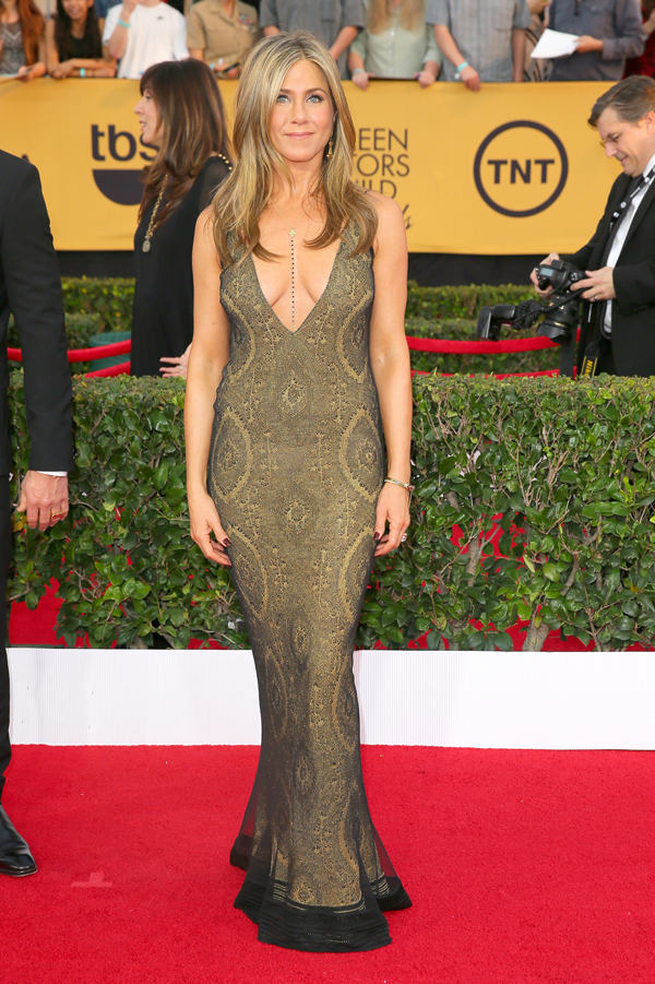 Jennifer Aniston wears a vintage Galliano on the red carpet of the 2015 SAG awards wedding inspiration by Destination wedding planner, Mango Muse Events