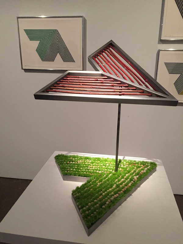 Arrow shaped floral design at Bouquets to Art 2015 at de Young Museum, San Francisco.