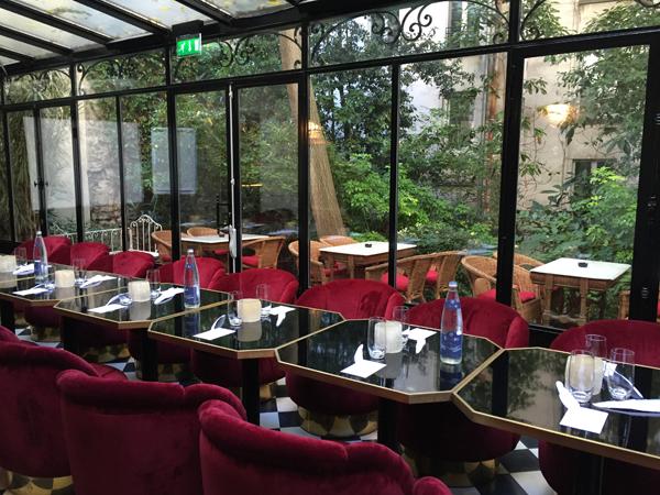 Indoor terrace reception room of Hotel Particulier Paris wedding venue by Destination wedding planner Mango Muse Events