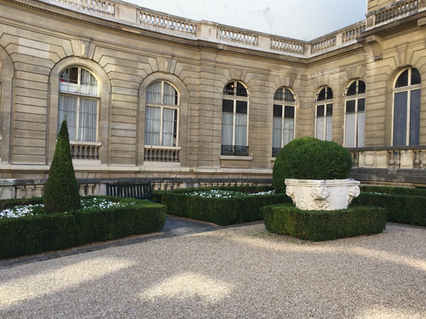 Jacquemart Andre museum courtyard Paris wedding venue Destination wedding planner Mango Muse Events