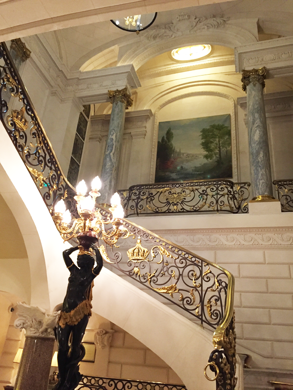 Grand entrance to Shangri-La Hotel Paris Wedding Venue by Destination wedding planner Mango Muse Events