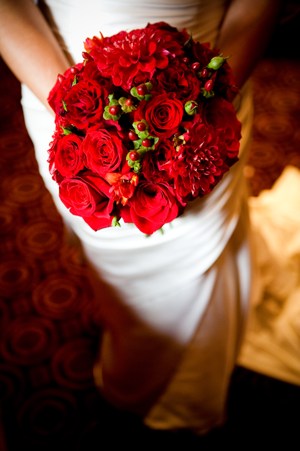 Valentine's day wedding inspiration: have an all red bridal bouquet. Event design by Jamie Chang destination wedding planner of Mango Muse Events.