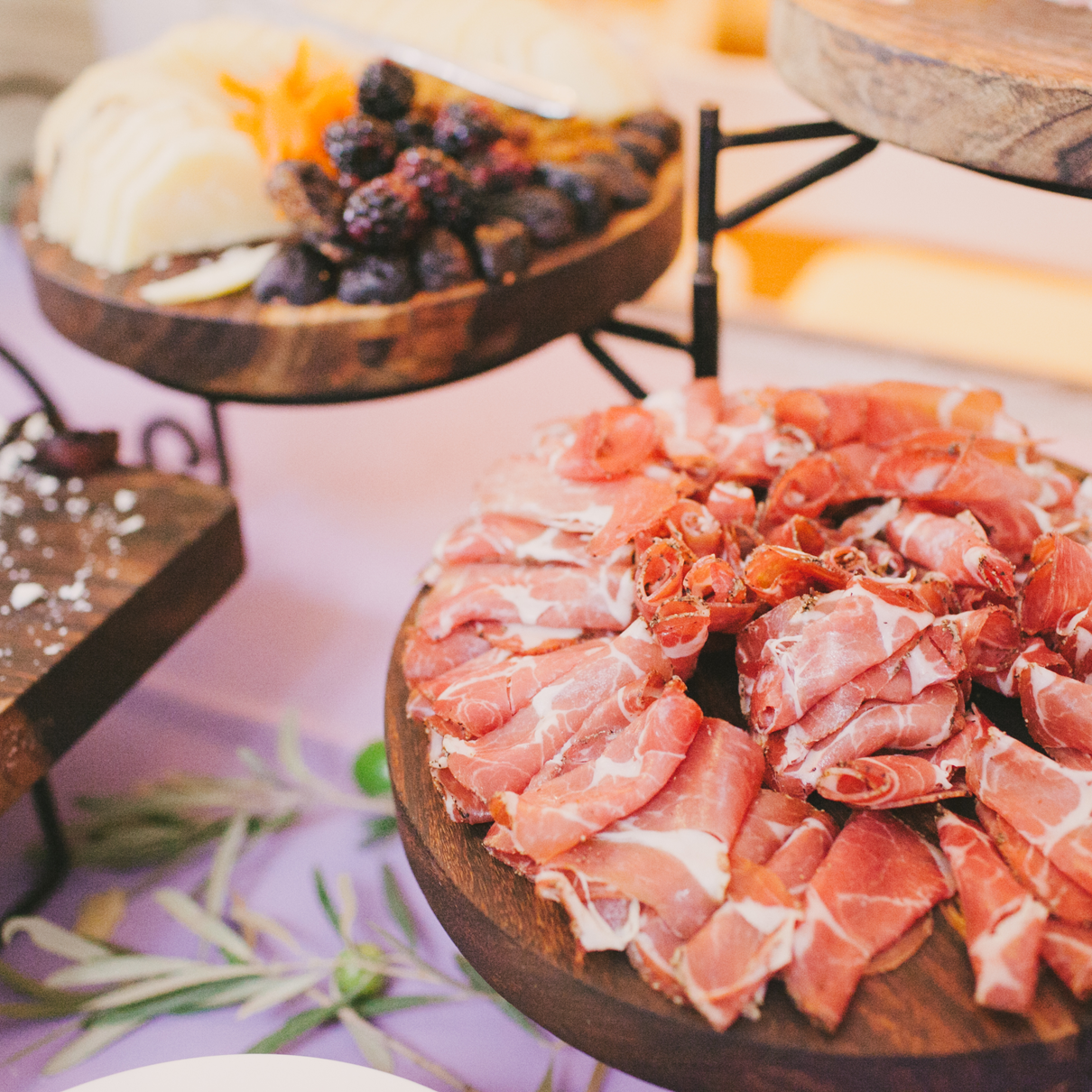 6 Ideas to Design a Wedding Menu You Love - Mango Muse Events