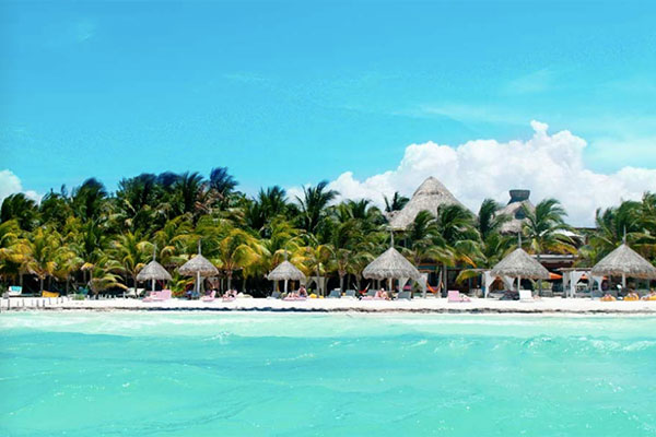 Honeymoon location in Holbox Island in Mexico
