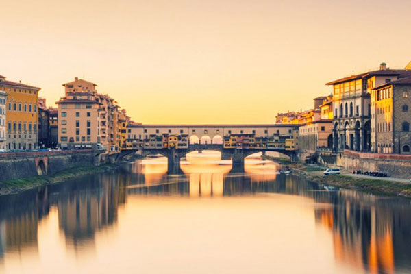 A romantic sunset at this honeymoon location in Florence, Italy