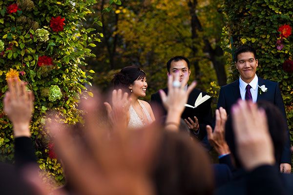 Interactive wedding ceremony for a Paris destination wedding by Destination wedding planner, Mango Muse Events