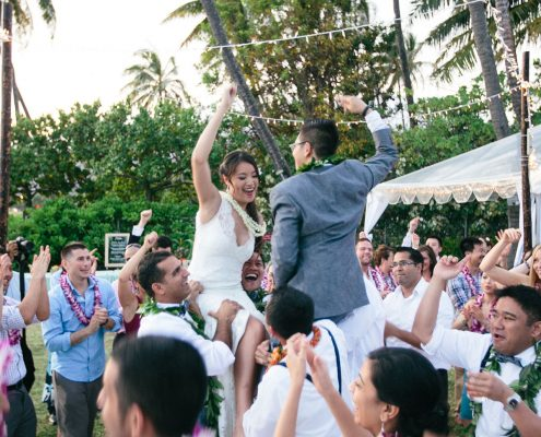 First dance with everyone at a Hawaii destination wedding by Destination wedding planner Mango Muse Events
