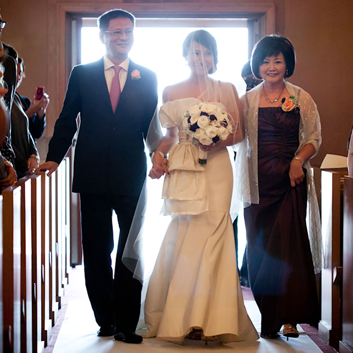 Wedding Poses With Parents: Wedding Wednesdays Q&A: How To Deal With Divorced Parents