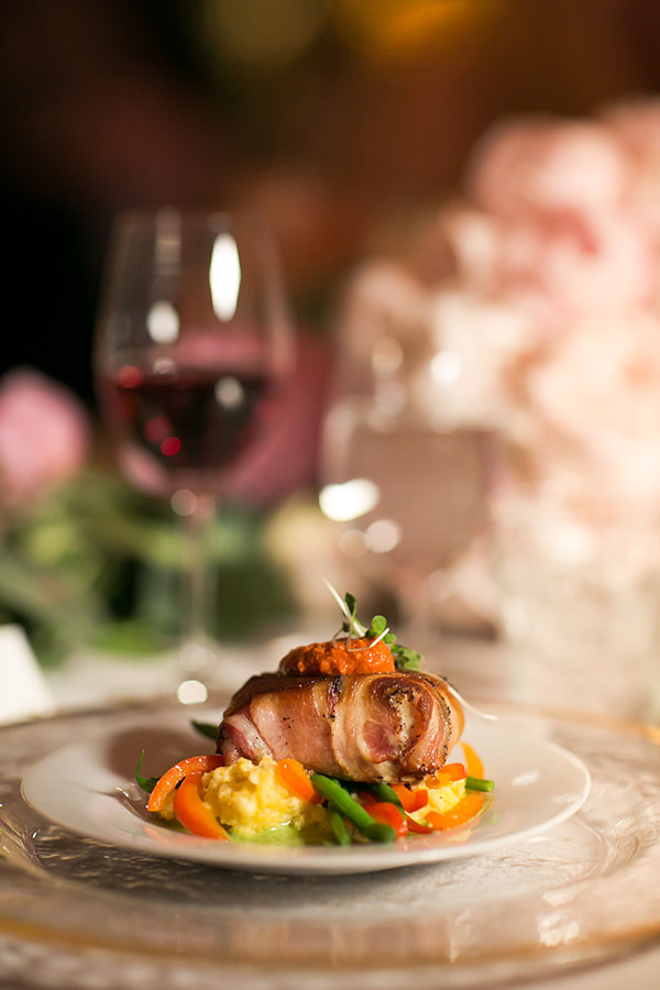 Fun way to do surf and turf for a San Francisco wedding by Destination wedding planner Mango Muse Events