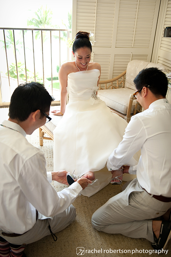 Bride getting ready with her bridesmen at a Hawaii wedding by Destination wedding planner Mango Muse Events