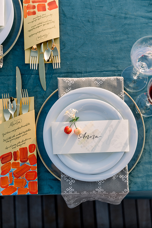 Place setting for a Croatian destination wedding by Destination wedding planner Mango Muse Events