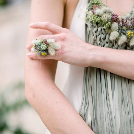 Textured floral ring and necklace for a Croatia destination wedding by destination wedding planner Mango Muse Events