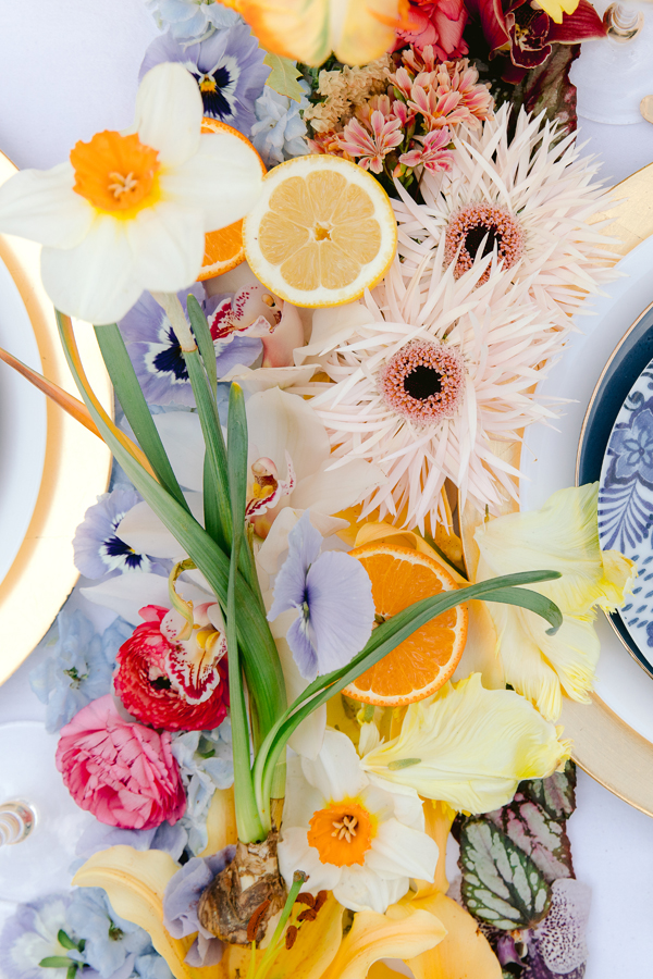 Colorful flower runner for a wedding reception table in Amsterdam by destination wedding planner Mango Muse Events