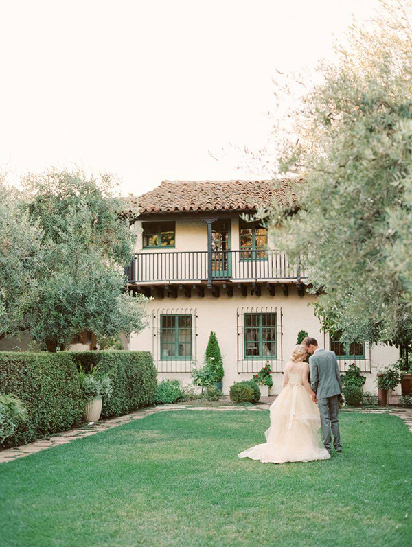 Allied Arts Guild intimate outdoor wedding venue for small weddings and elopements by Bay Area wedding planner Mango Muse Events and Let's I Do this small wedding packages for intimate micro weddings