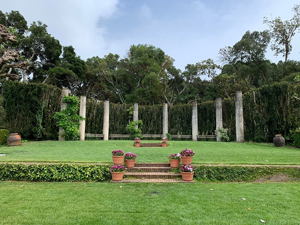 Filoli gardens High Place outdoor elegant wedding venue for micro weddings by Bay Area wedding planner Mango Muse Events and Let's I Do this small wedding packages for intimate micro weddings and elopements