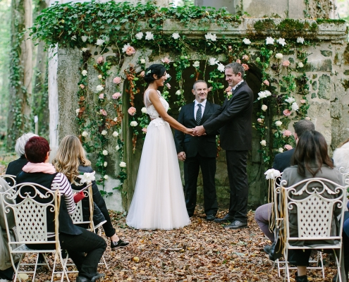 An intimate woodland micro wedding in Loire valley France by destination wedding planner Mango Muse Events